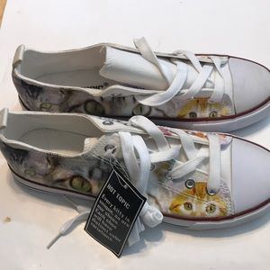 NWT Hot Topic Cat Lace Up Sneakers W Sz 9 M Sz 11